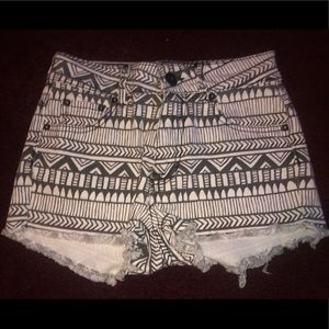 Bullhead Women's Printed Shorts